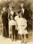 Leonard Vivian Biggs with his wife and daughters and an unidentified woman